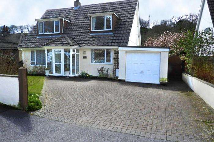 3 Bedrooms Bungalow for sale in APRIL COTTAGE, HELSTON, TR13