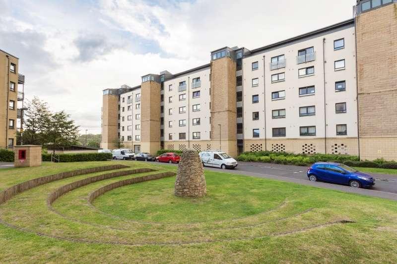 2 Bedrooms Flat for sale in Hawkhill Close, Edinburgh, EH7 6FG