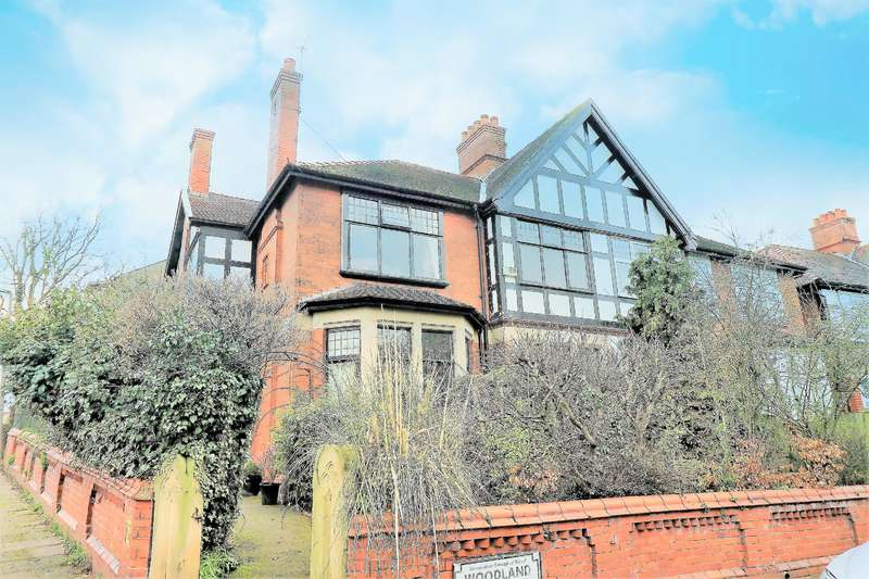 4 Bedrooms House for sale in Woodland Drive, Wallasey, CH45 1ND