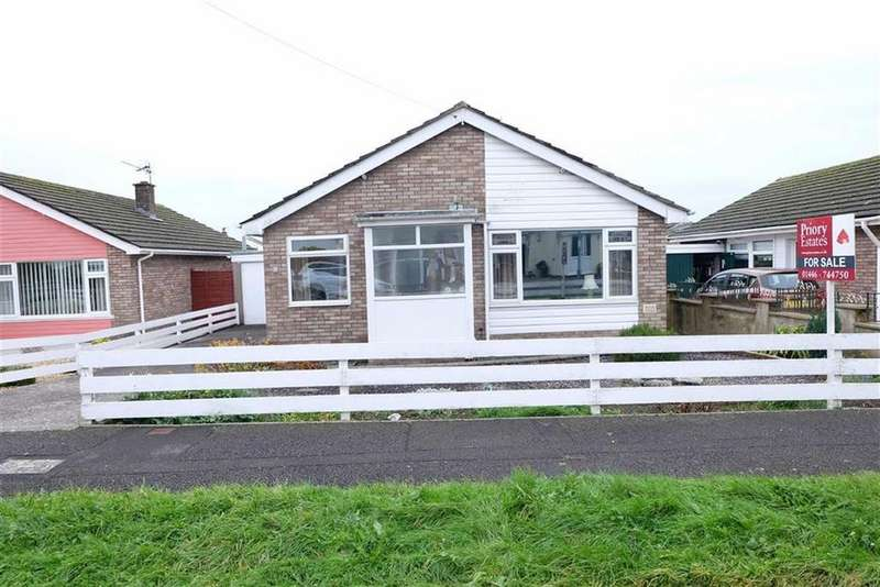 2 Bedrooms Detached Bungalow for sale in Sycamore Crescent, Barry, Vale Of Glamorgan