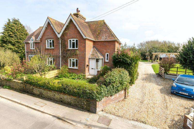 3 Bedrooms Semi Detached House for sale in Church Road, North Mundham