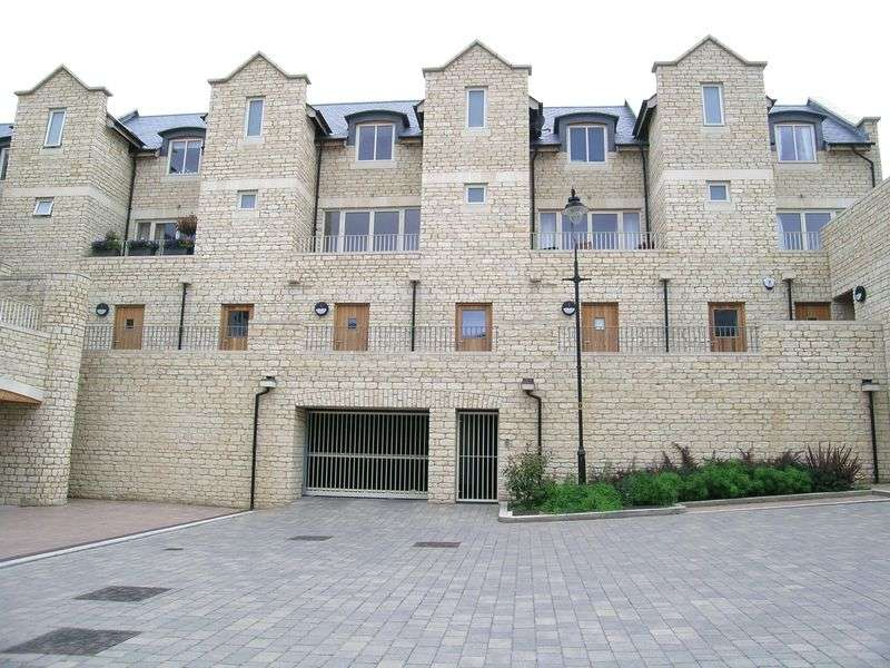 3 Bedrooms Property for rent in Midland Close, Bradford on Avon
