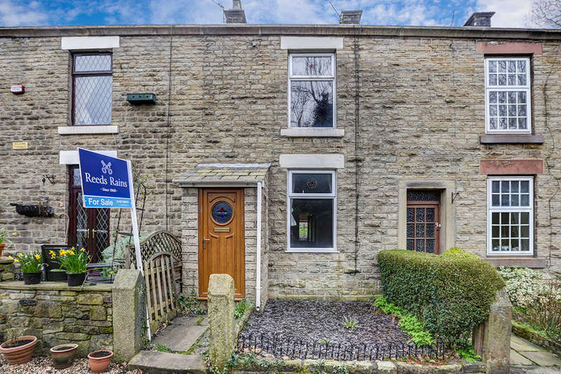 4 Bedrooms Terraced House for sale in Wilsons Terrace, Glossop, SK13