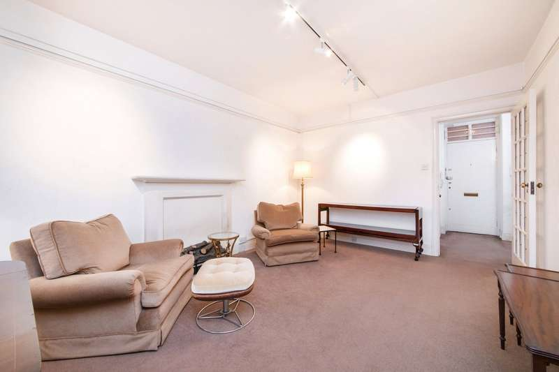 1 Bedroom Flat for sale in Peters Court, Porchester Road, London, W2