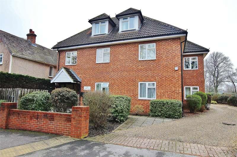 2 Bedrooms Apartment Flat for sale in Broadway, Knaphill, Surrey, GU21