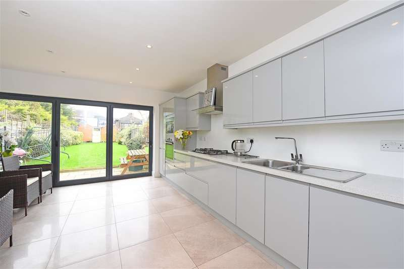 3 Bedrooms Terraced House for sale in Deburgh Road, Wimbledon