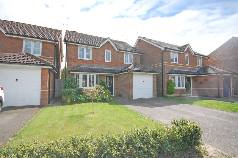 3 Bedrooms Detached House for sale in Burghley Close, Great Notley, Braintree, CM77