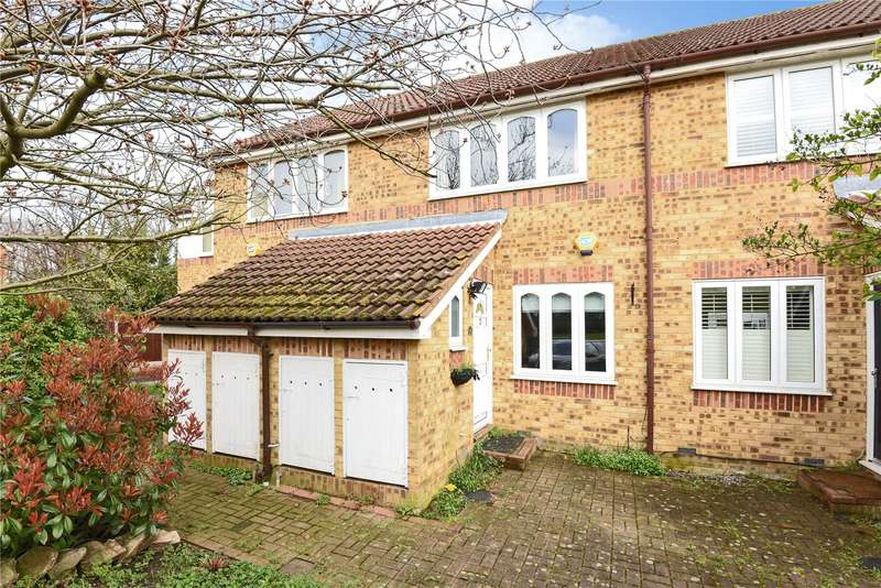 2 Bedrooms House for sale in Columbia Avenue, Ruislip, Middlesex, HA4