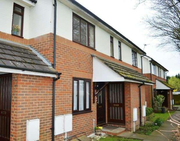 1 Bedroom Maisonette Flat for sale in Melford Close, Chessington