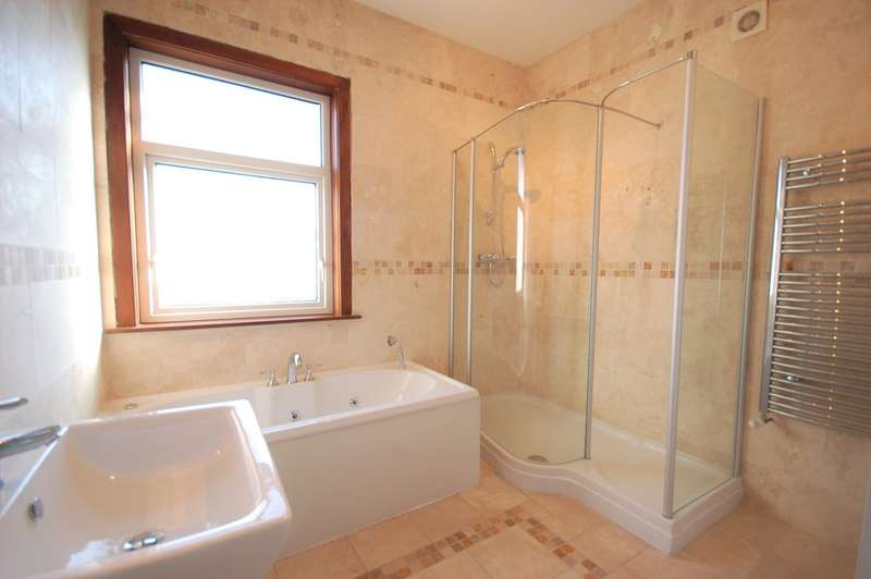3 Bedrooms Detached House for sale in Windermere Road, Blackpool