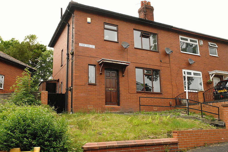 3 Bedrooms Semi Detached House for sale in Crofton Street, Oldham