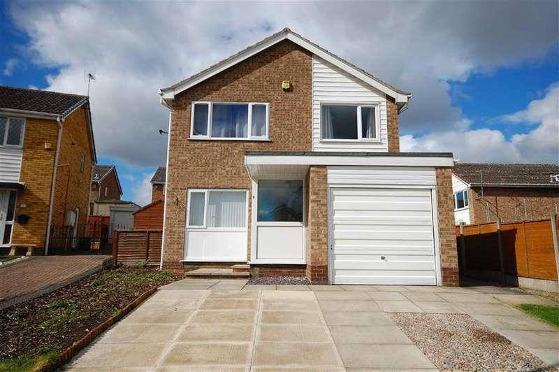 3 Bedrooms Detached House for sale in Tomlinson Way, Sherburn In Elmet, Leeds, LS25