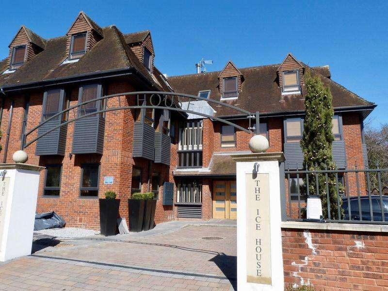 2 Bedrooms Apartment Flat for rent in Town Centre, Marlow