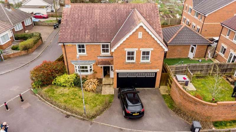 4 Bedrooms Detached House for sale in Cornelia Road, St Marks Catchment