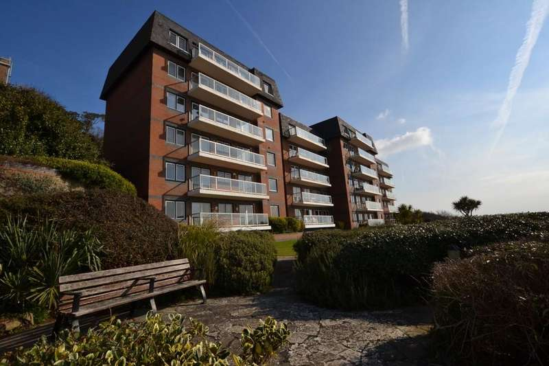 2 Bedrooms Apartment Flat for sale in Radnor Cliff, Sandgate, Kent