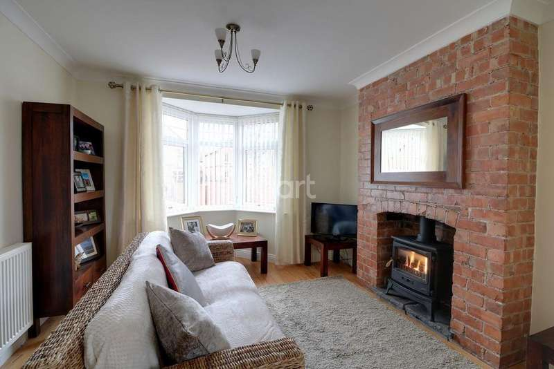 5 Bedrooms Detached House for sale in Station Road, Hatfield, Doncaster