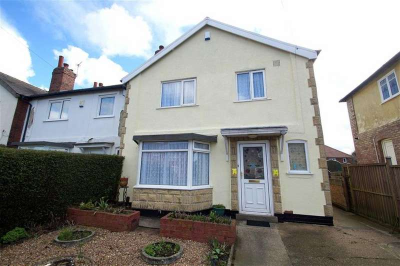 3 Bedrooms Semi Detached House for sale in Poole Crescent, Leeds