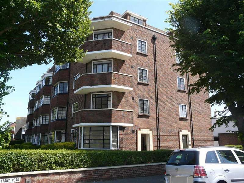 2 Bedrooms Apartment Flat for sale in Brittany Court, Hove, East Sussex