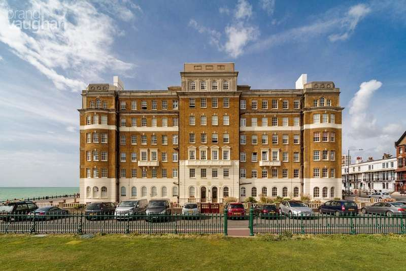 3 Bedrooms Apartment Flat for sale in Courtenay Terrace, Hove, BN3