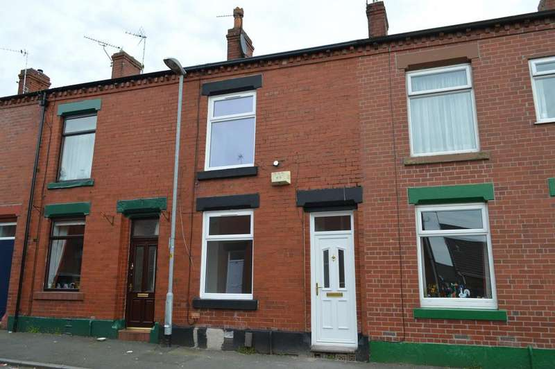 2 Bedrooms Terraced House for sale in County Street, Hollinwood, Oldham, OL8 3RN