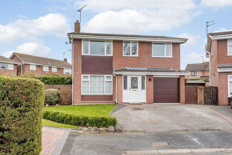 4 Bedrooms Detached House for sale in Oaklands, Guilden Sutton, Chester