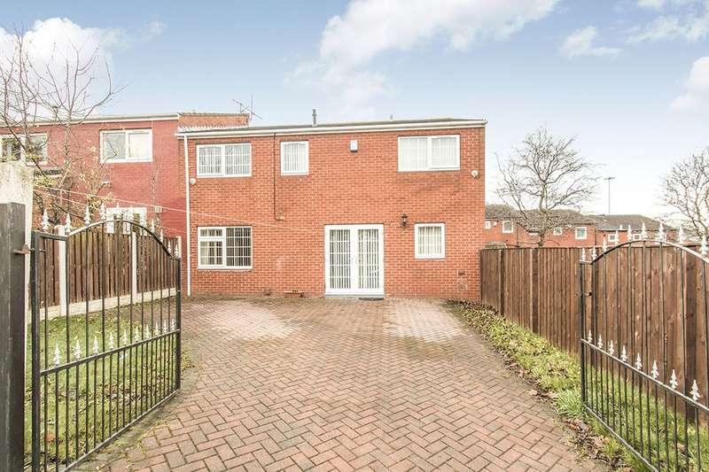 3 Bedrooms Semi Detached House for sale in Normanton Grove, Beeston, Leeds, LS11