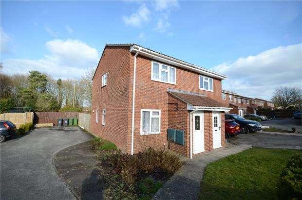 2 Bedrooms Semi Detached House for sale in Ellington Drive, Basingstoke, Hampshire