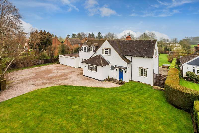 4 Bedrooms Detached House for sale in Redehall Road, Smallfield, Horley, Surrey, RH6