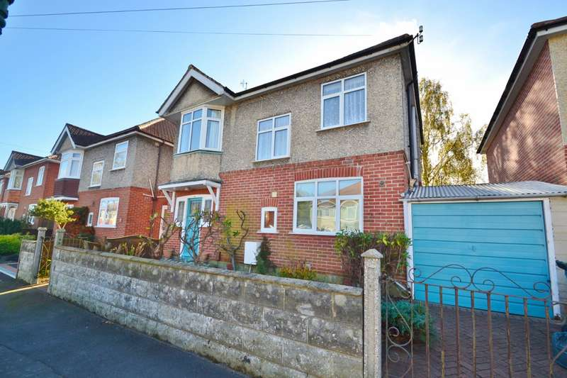 3 Bedrooms Detached House for sale in Charminster