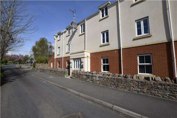 2 Bedrooms Flat for rent in Leaze Close, Thornbury, BRISTOL, BS35