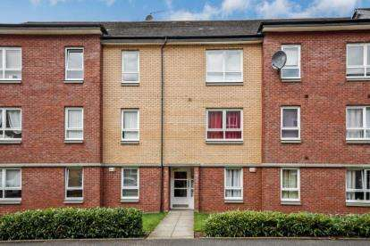 2 Bedrooms Flat for sale in Springfield Gardens, Parkhead, Glasow