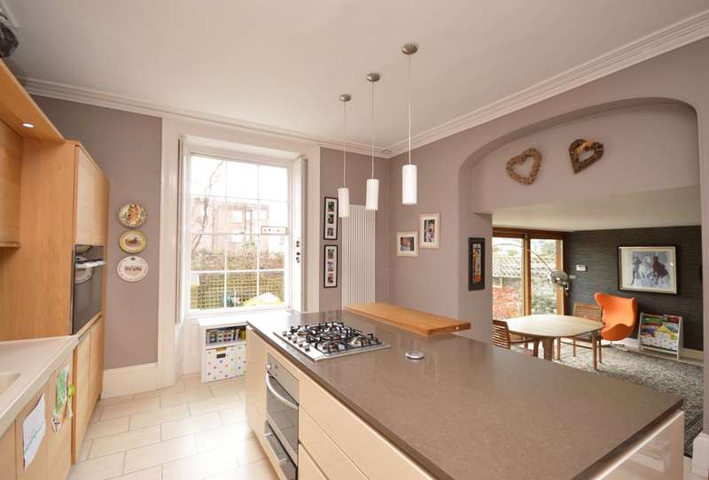 4 Bedrooms Semi Detached House for sale in Exeter