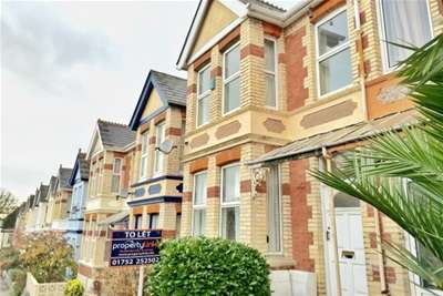 2 Bedrooms Flat for rent in Pounds Park Road, Peverell