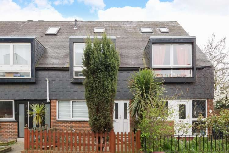 3 Bedrooms Terraced House for sale in Ludwick Mews New Cross SE14