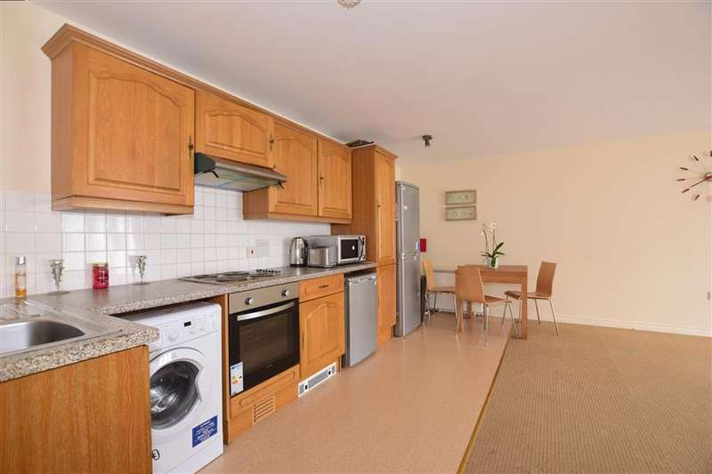 2 Bedrooms Apartment Flat for sale in Maple Court, Erith, Kent