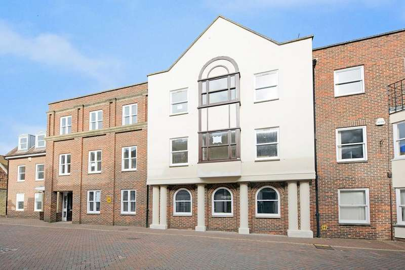2 Bedrooms Ground Flat for rent in North Street, Ashford