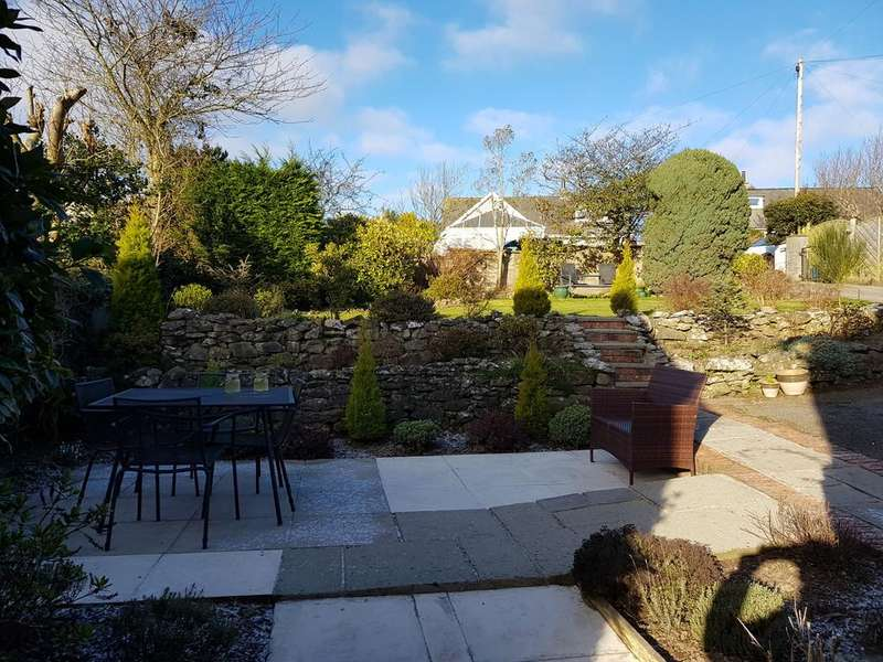 3 Bedrooms Detached House for sale in Greyrigg, Shawfield Road, Baycliff, Ulverston. LA12 9RG