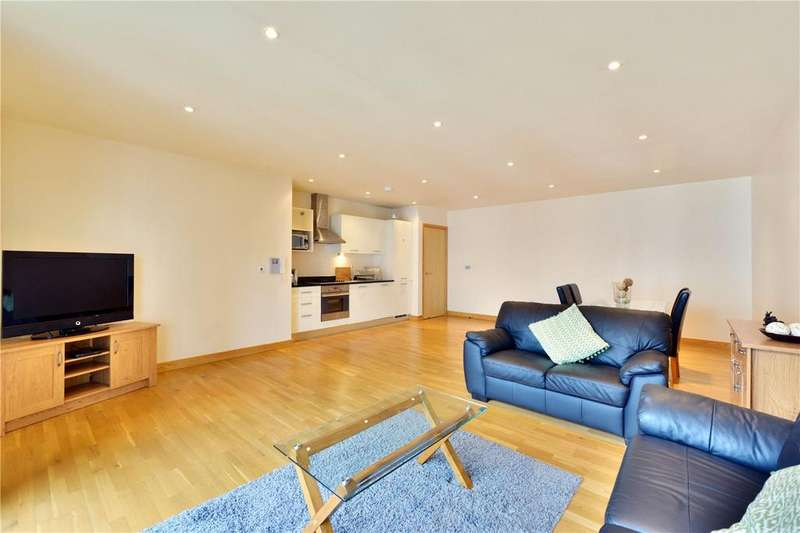 2 Bedrooms Flat for sale in Omega Works, 4 Roach Road, London, E3
