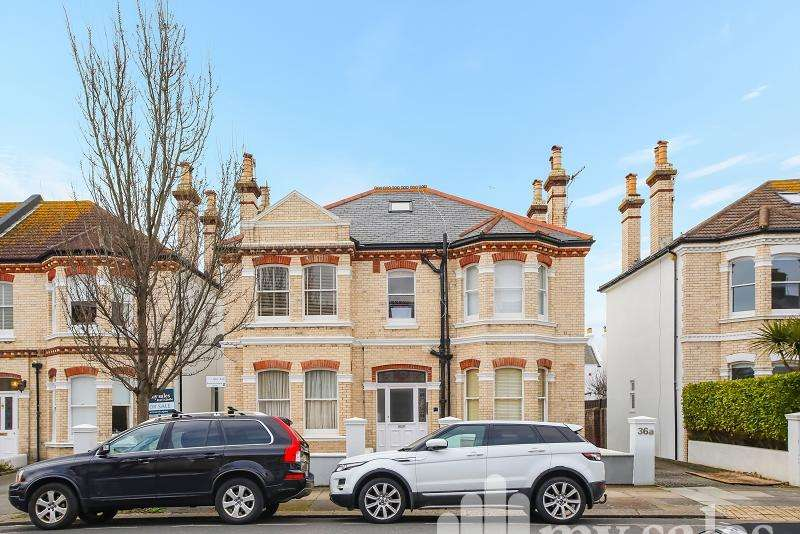 1 Bedroom Ground Flat for sale in Walsingham Road, Hove, East Sussex. BN3 4FF
