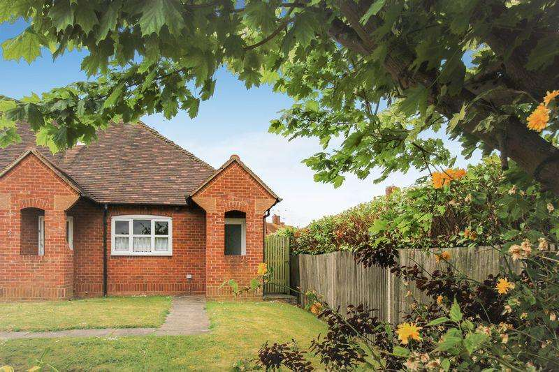 1 Bedroom Retirement Property for sale in Orchard Close, Thame