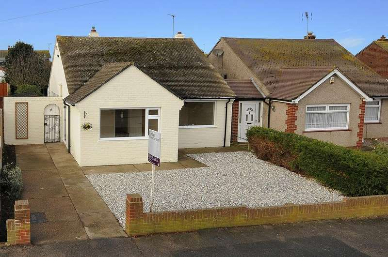 2 Bedrooms Detached Bungalow for sale in Clare Drive, Greenhill, Herne Bay, Kent
