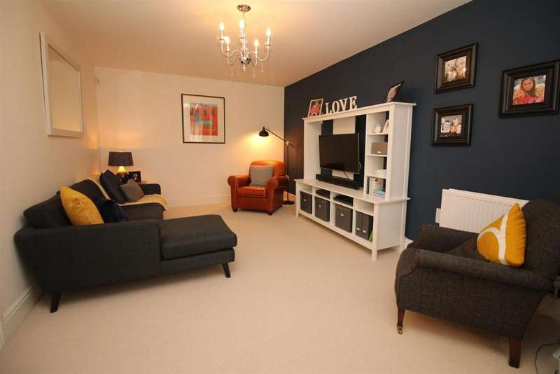 5 Bedrooms Detached House for sale in Oakwood Drive, Newcastle Upon Tyne