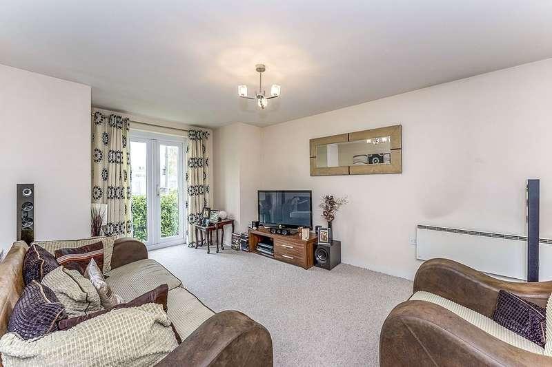 2 Bedrooms Flat for rent in Walthew House Lane Kitt Green, Wigan, WN5