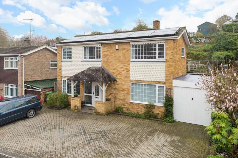 5 Bedrooms Detached House for sale in Chapman Avenue, Maidstone, ME15