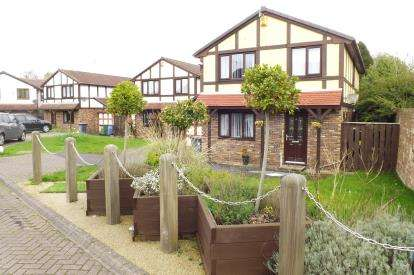 4 Bedrooms Detached House for sale in Henley Court, Runcorn, Cheshire, WA7