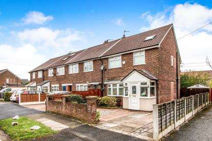 4 Bedrooms End Of Terrace House for sale in Lytham Road, Flixton, Manchester, Greater Manchester