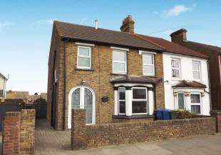3 Bedrooms Semi Detached House for sale in Canterbury Road, Sittingbourne, Kent