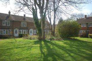 2 Bedrooms Terraced House for sale in Tower View, Uckfield, East Sussex