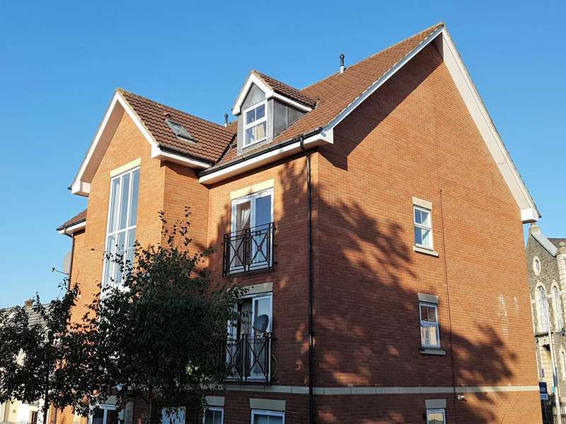 2 Bedrooms Flat for rent in Oxenham Court, Whitehall, Bristol