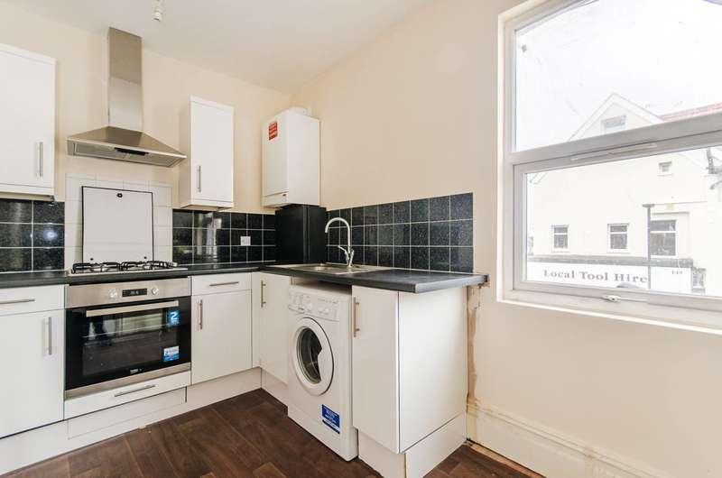 2 Bedrooms Flat for sale in Pinner Road, Harrow, HA1